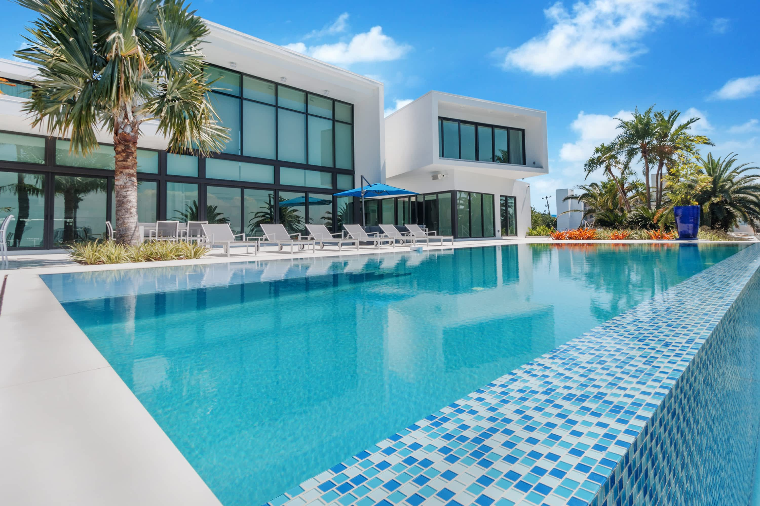 1070 S SHORE DR - pool